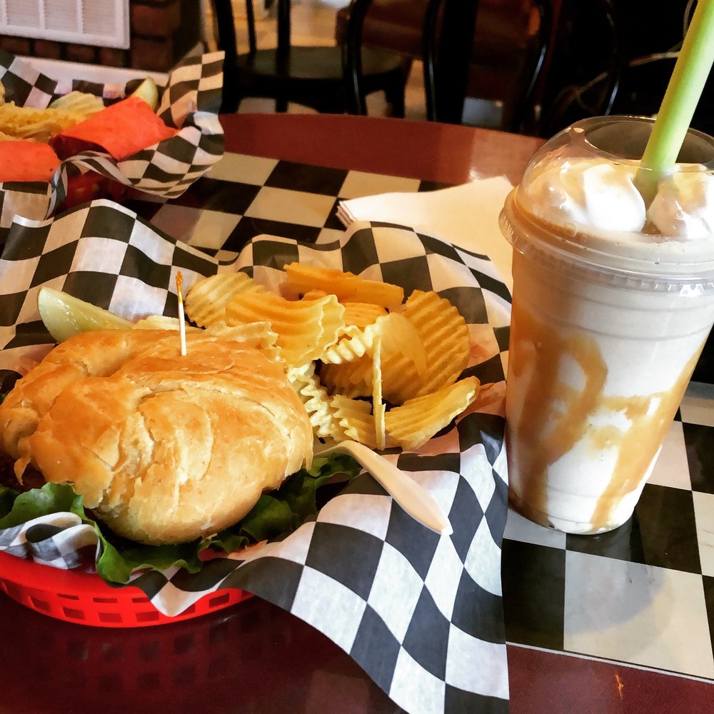 Bella Cafe: 3846 Jefferson Davis Hwy, Stafford, VA