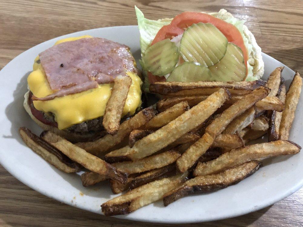 Mr Bunky's Restaurant & Market: 10441 Garners Ferry Rd, Eastover, SC