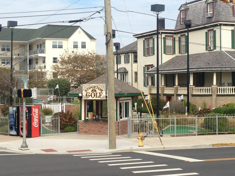 Stockton Mini Golf: 801 Beach Ave, Cape May, NJ