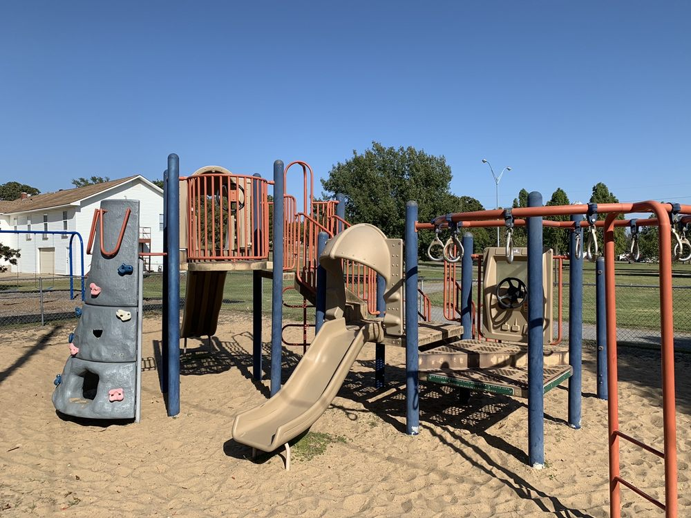 Rotary Park: 801 N 9th St, McAlester, OK