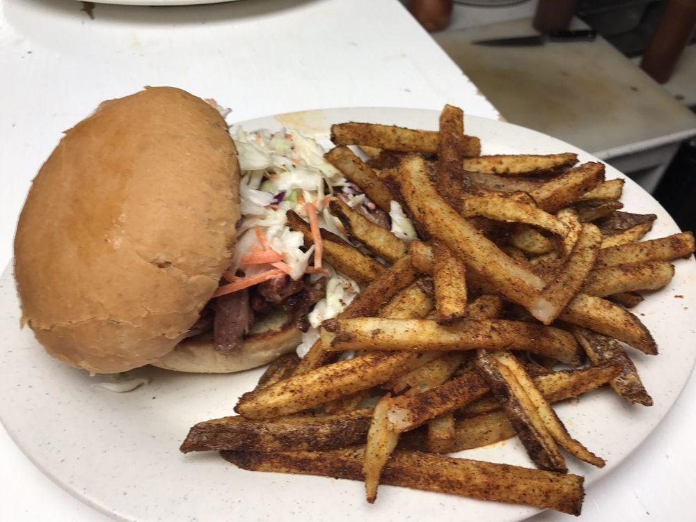 Greg's BBQ: 629 S Main St, Belen, NM