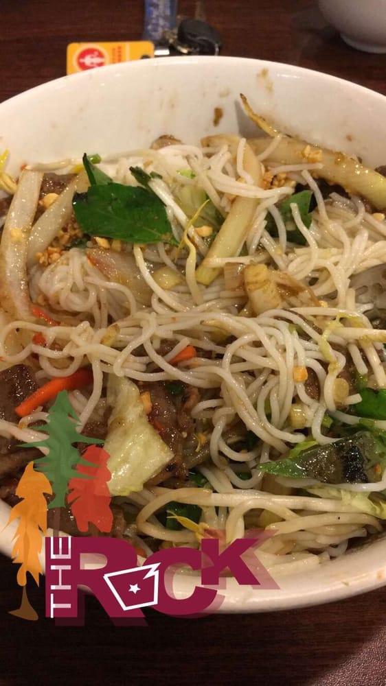 B1. Lemon beef noodle salad bowl - Yelp