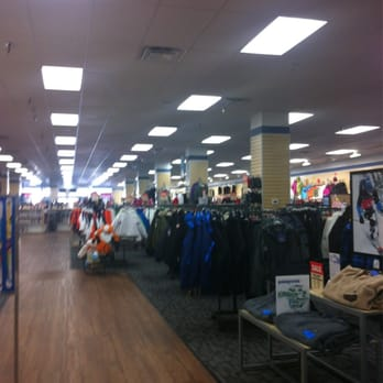 Sun and Ski Sports Chantilly, Sullyfield Circle VA store hours, reviews, photos, phone number and map with driving directions.