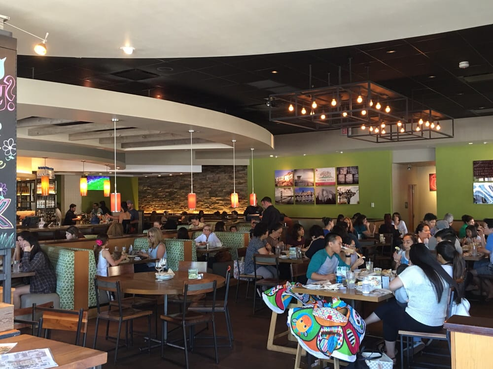 California Pizza Kitchen Northridge