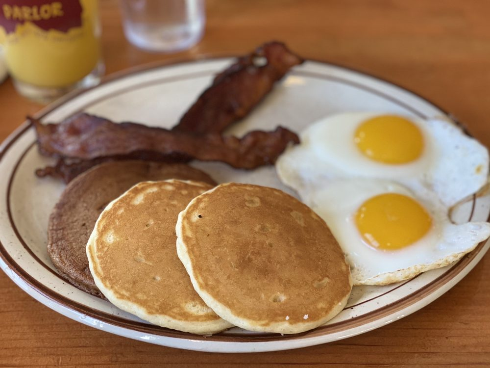 Polly's Pancake Parlor: 672 Rt 117, Sugar Hill, NH