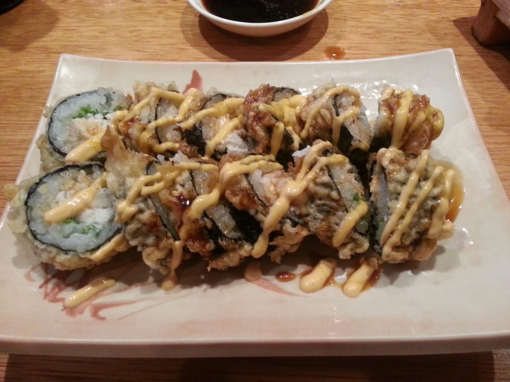 Biscaya roll yellowtail escolar fried tempura spicy for Asaka japanese cuisine