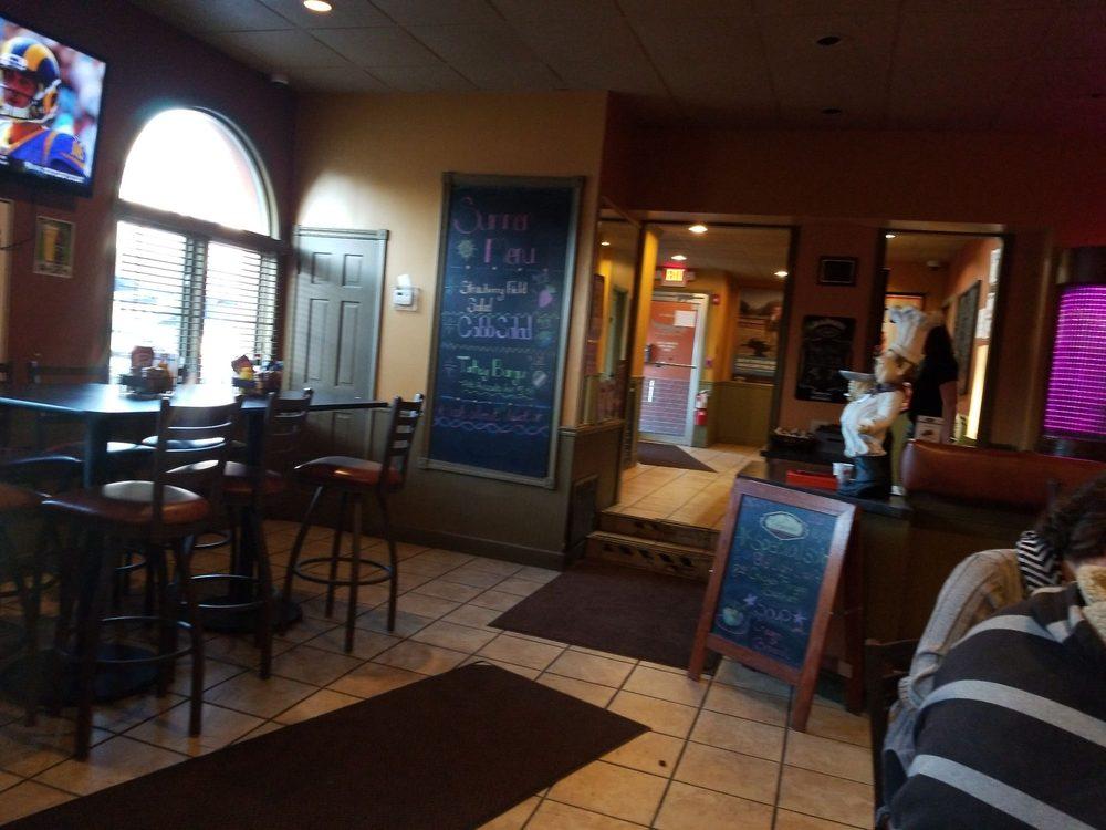Sammy's Pizza - Momence: 119 W Washington St, Momence, IL