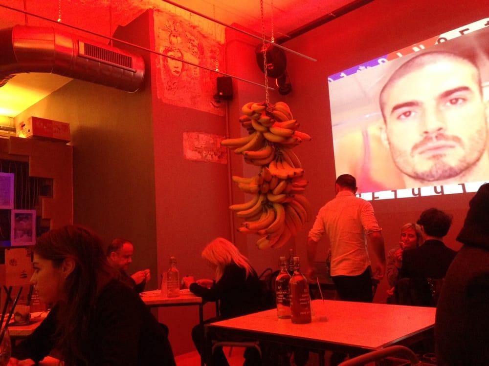 Leccomilano 19 photos gay bars palestro milan for Gay club milan
