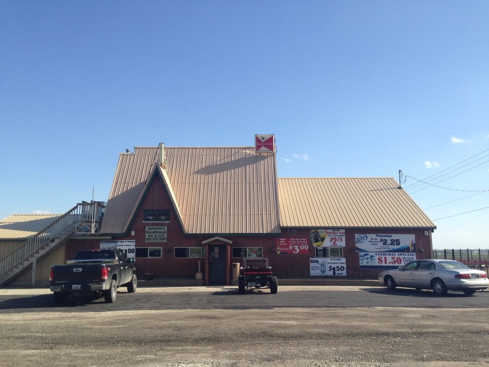 Jammerz Roadhouse: 3729 248th St N, Hillsdale, IL