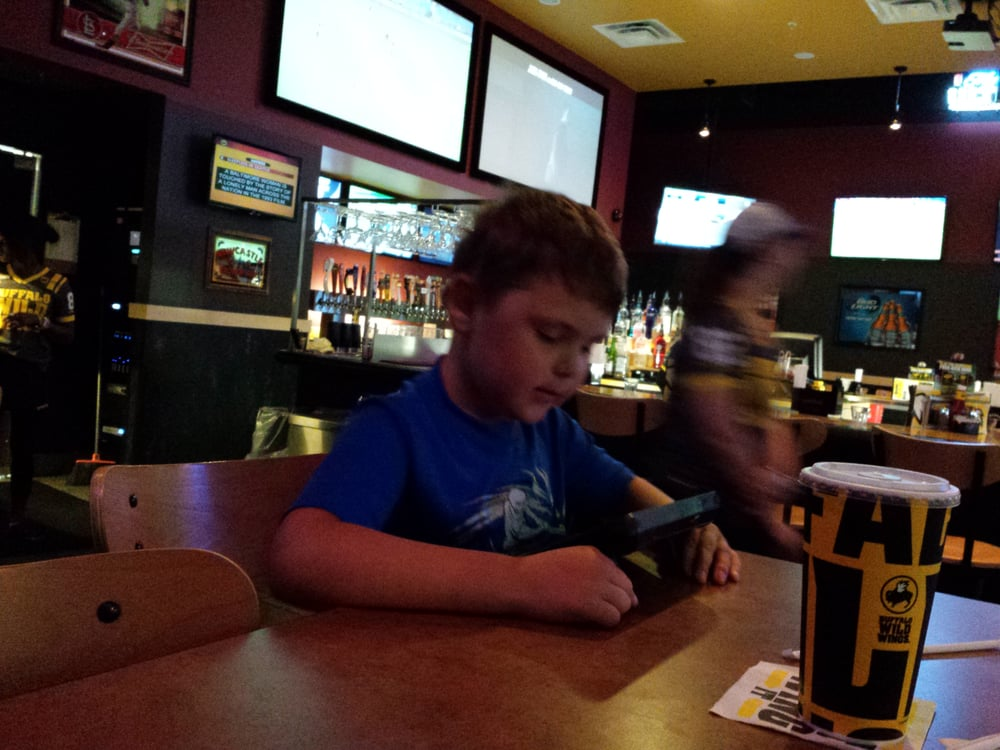 Buffalo Wild Wings: 1235 W Morton Ave, Jacksonville, IL