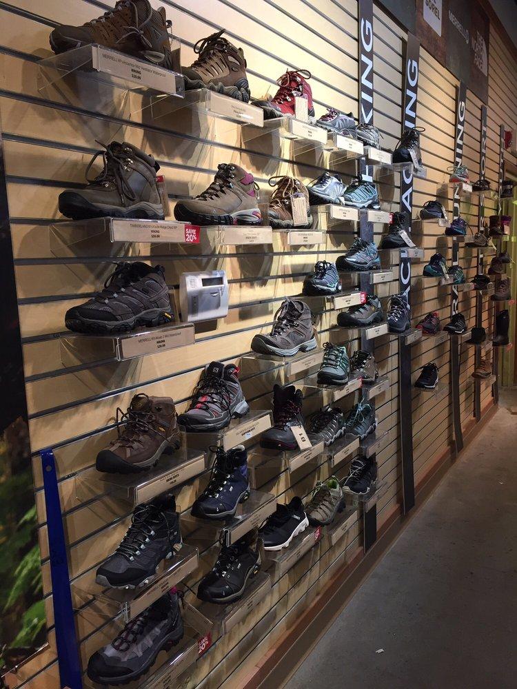 Eastern Mountain Sports: 1475 Western Ave, Albany, NY