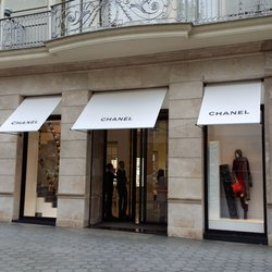 7717ec40e Chanel - 42 Photos & 15 Reviews - Women's Clothing - Passeig de ...
