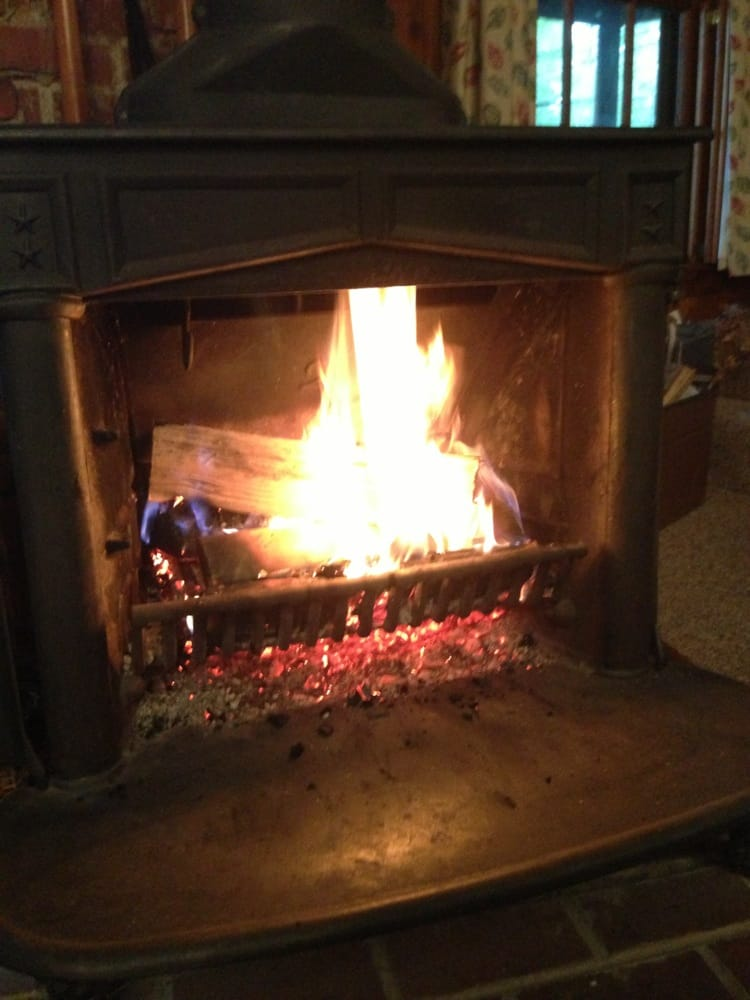 Country Hearth & Home: 1828 E Main St, Conway, NH