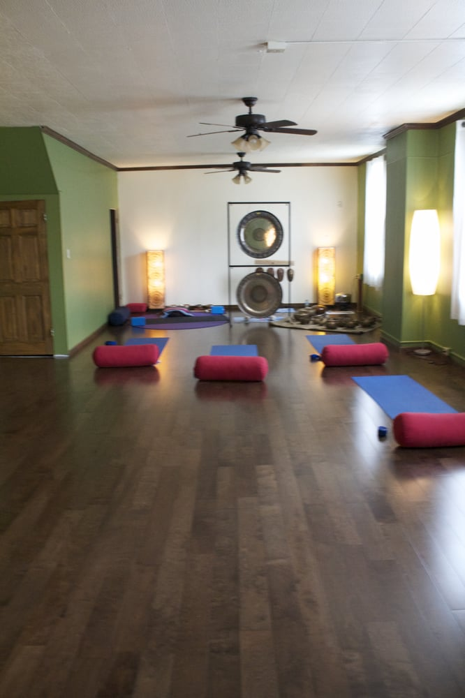 Surya Rakta Wellness: 1400 E B St, Belleville, IL