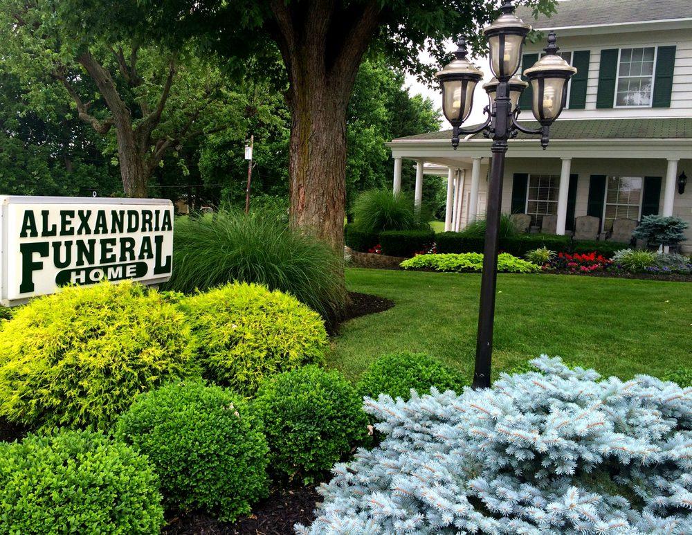 Alexandria Funeral Home: 325 Washington St, Alexandria, KY