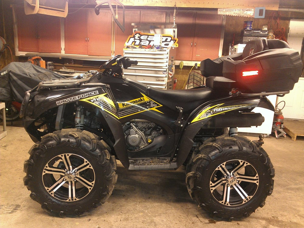 The busted toy garage r paration moto 1000 mammoth rd for Garage reparation moto