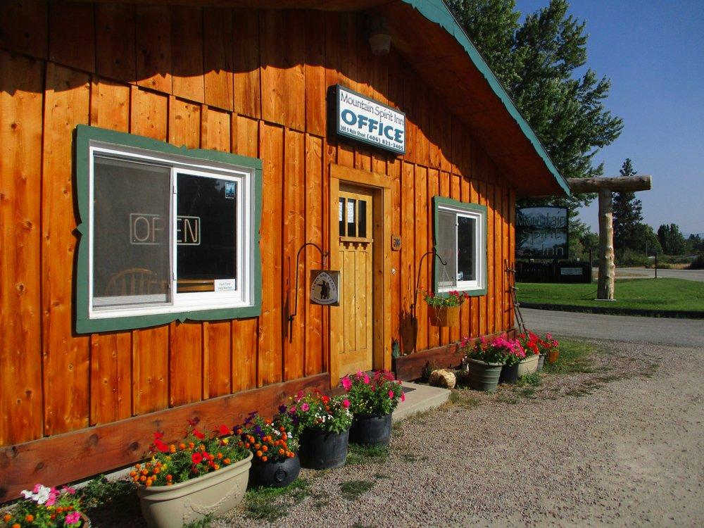 Mountain Spirit Inn: 308 S Main St, Darby, MT