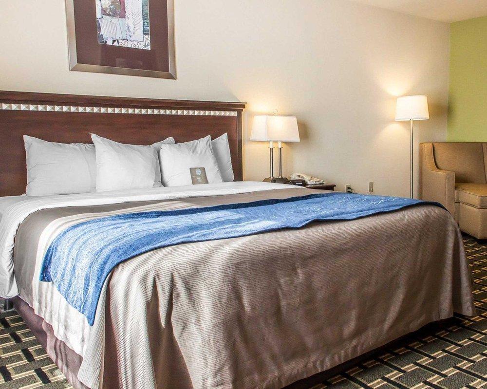 comfort inn suites 39 photos 20 reviews hotels 2802 south