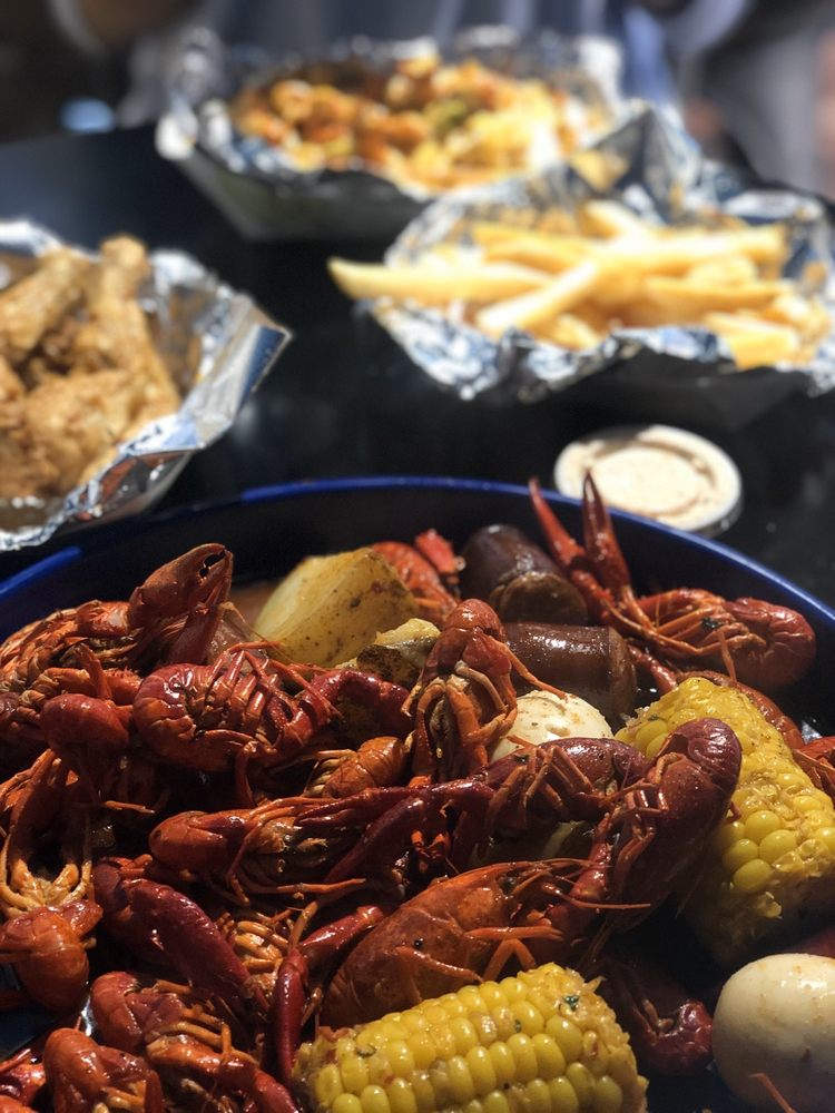 Royal Seafood Shack: 6012 82nd St, Lubbock, TX