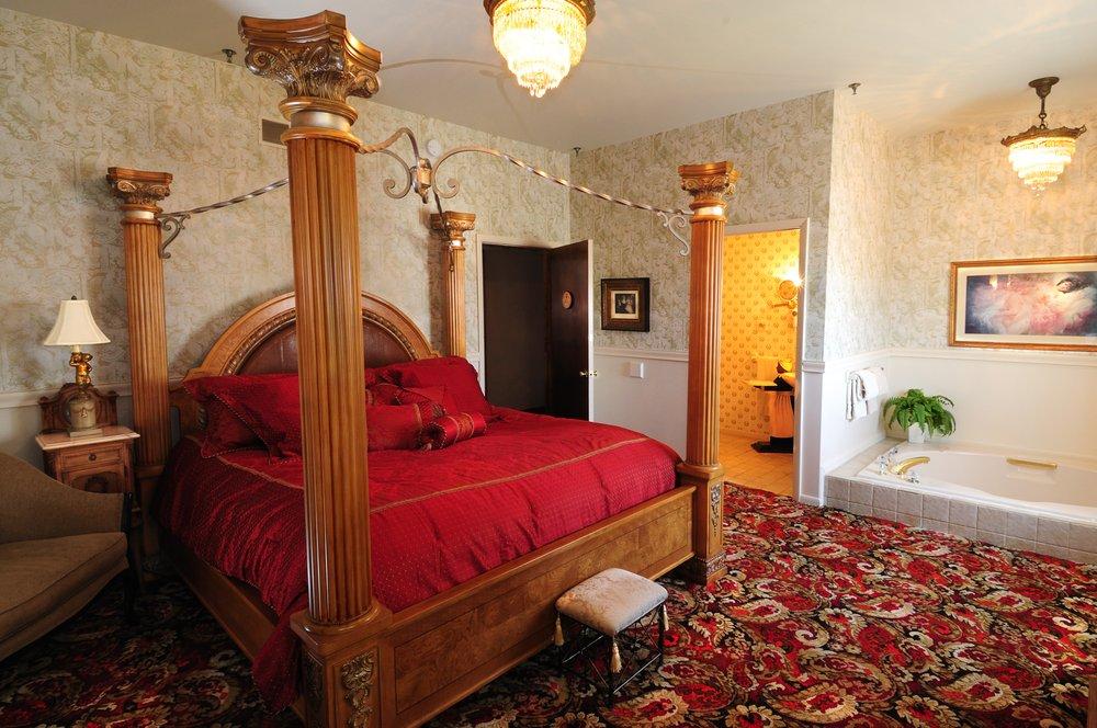 Tara - A Country Inn: 2844 Lake Rd, Clark, PA