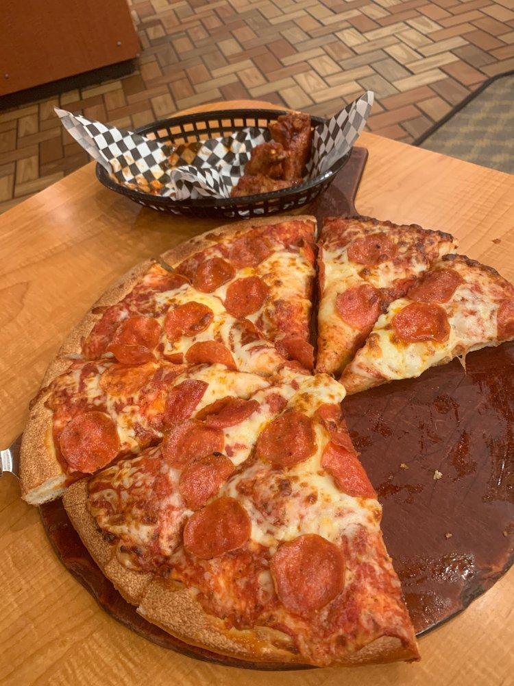 Mazzio's Pizza: 3028 Hwy 365, Nederland, TX