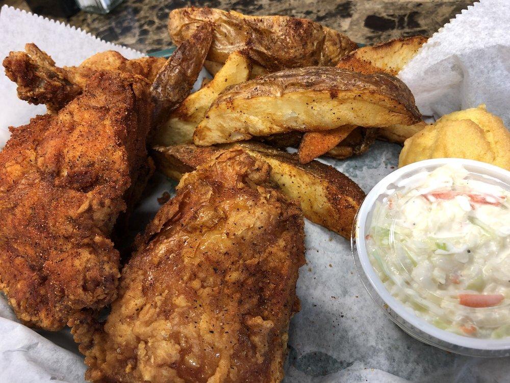 Duss Avenue Cafe: 1811 Duss Ave, Ambridge, PA