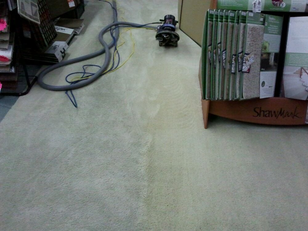 Clean Bee Flooring & Upholstery Care: 5922 Castlewood Trl, McHenry, IL