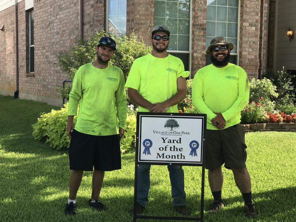 Lawnsmith: 4108 Lone Oak Ln, Bedford, TX