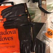 6e605e351 Madova Gloves - (New) 12 Photos & 15 Reviews - Leather Goods - Via ...