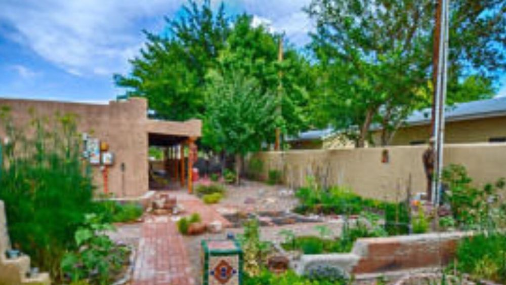 Dos Casitas: 317 Eaton Ave, Socorro, NM