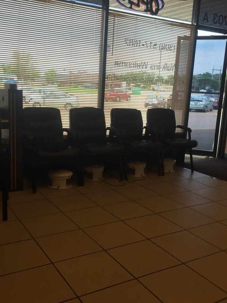 Jas Nails and Spa: 4703 A 16th St, Moline, IL