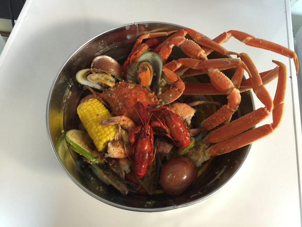 The Boiling Shrimp Seafood Kitchen & Oyster Bar: 801 N Main St, Cleburne, TX