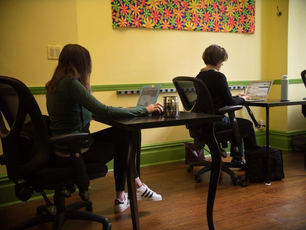 Park Slope Desk: 501 11th St, Brooklyn, NY