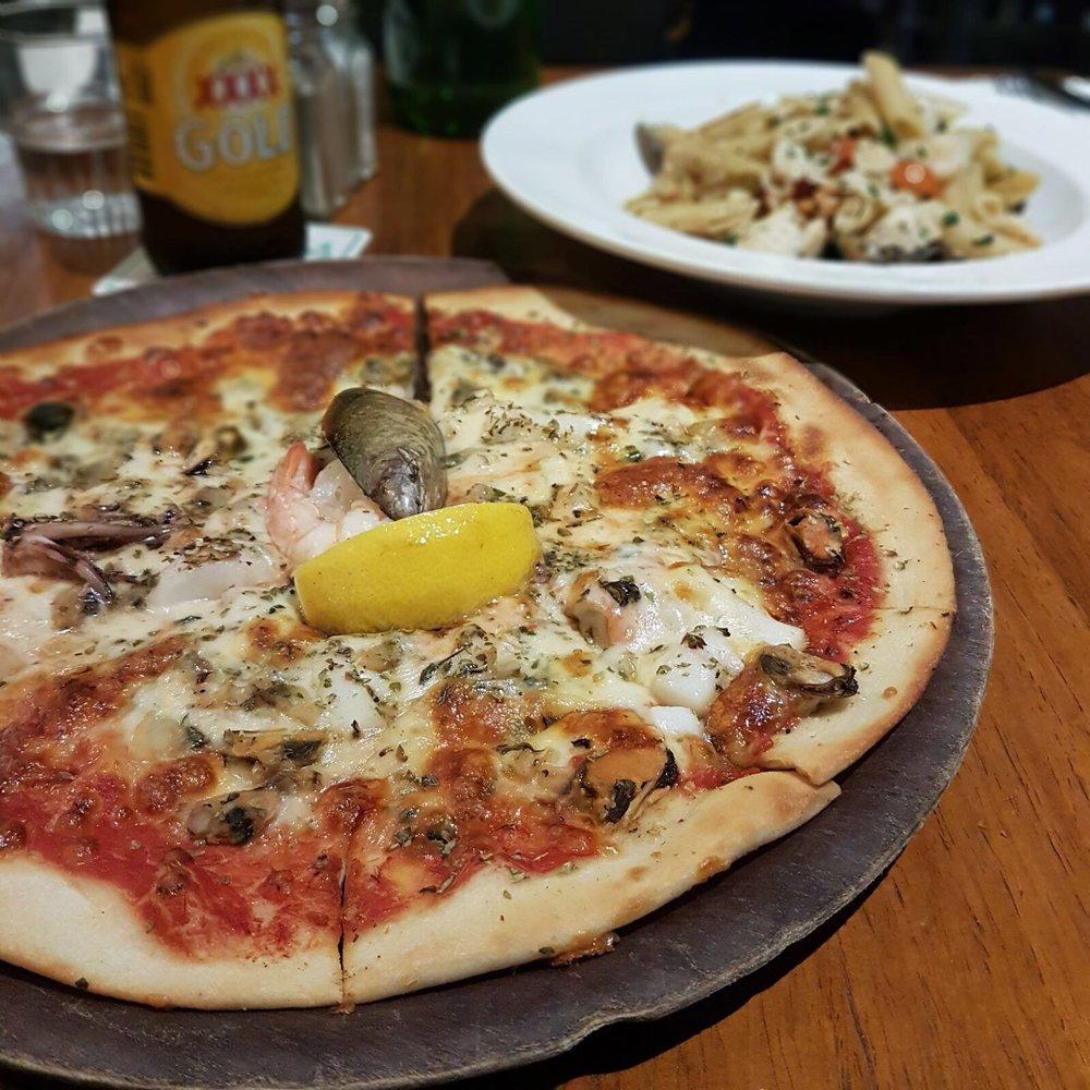La Pizza Trattoria