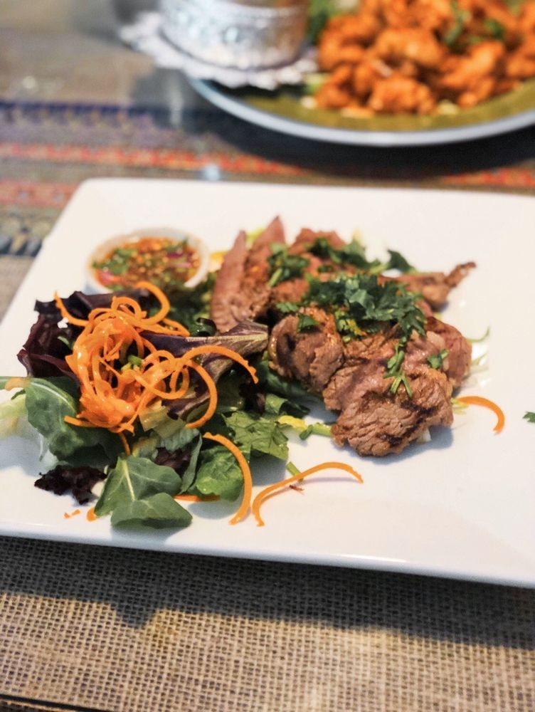 Sala Thai Street Food: 12E Mountain Ave, Bloomfield, CT