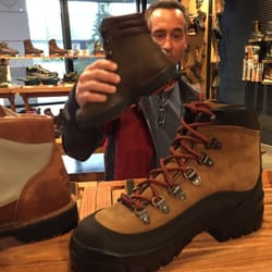 Danner - Shoe Stores - 18190 NW Evergreen Pkwy, Beaverton, OR ...