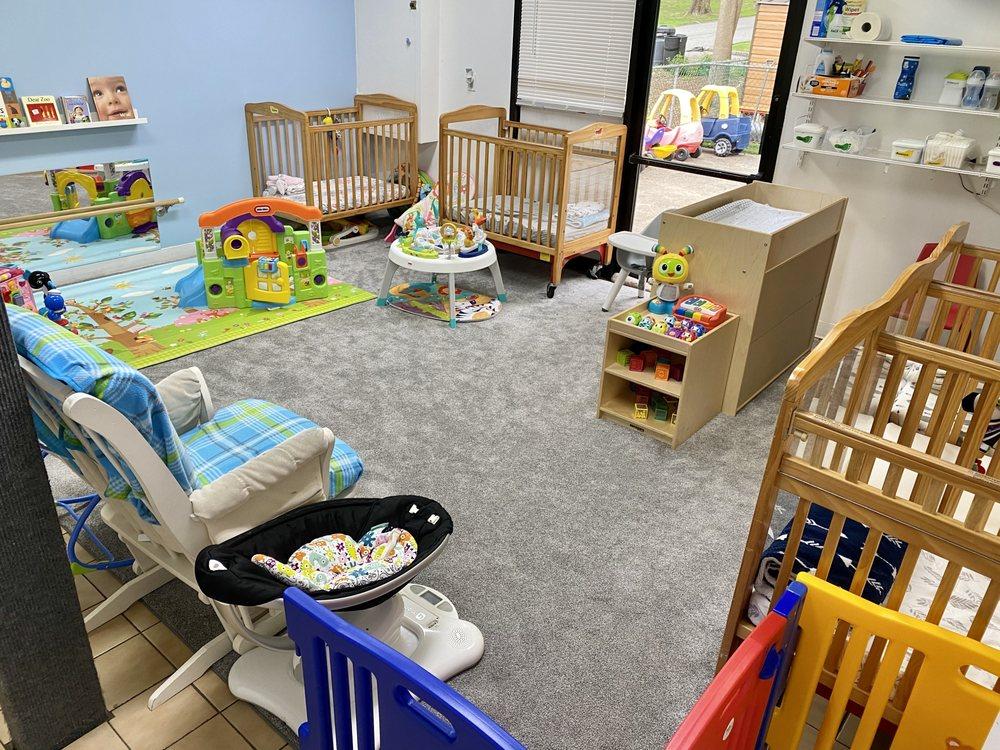 Little Footprints Infant Preschool: 31 Storms Ave, Park Ridge, NJ