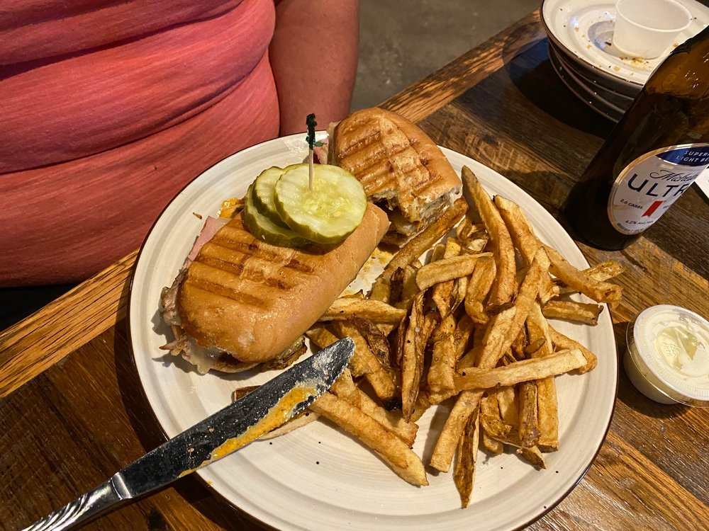 Brickyard Bar & Grill: 580 W Lorain St, Oberlin, OH