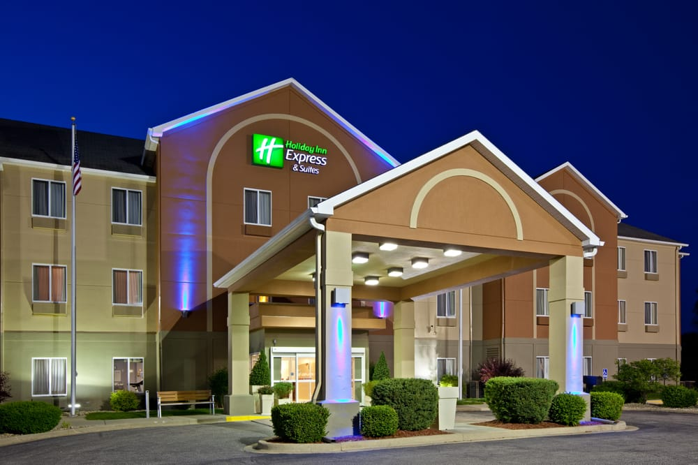 Holiday Inn Express & Suites Bedford: 2800 Express Dr, Bedford, IN