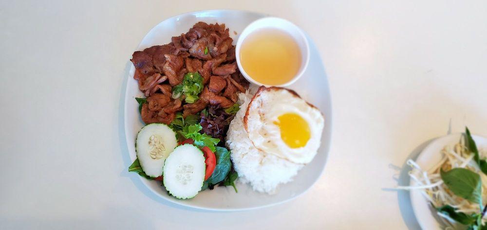 Ly's Vietnamese Cuisine