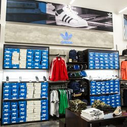 5091bdf7625 WSS - 18 Photos   19 Reviews - Shoe Stores - 5981 Van Buren Blvd ...