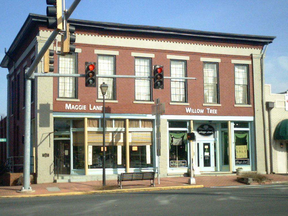 Maggie Lane: 103 S Jefferson Ave, EATONTON, GA