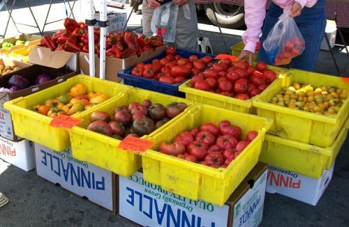 Downtown Hollister Farmers Market: 5th St & San Benito, Hollister, CA