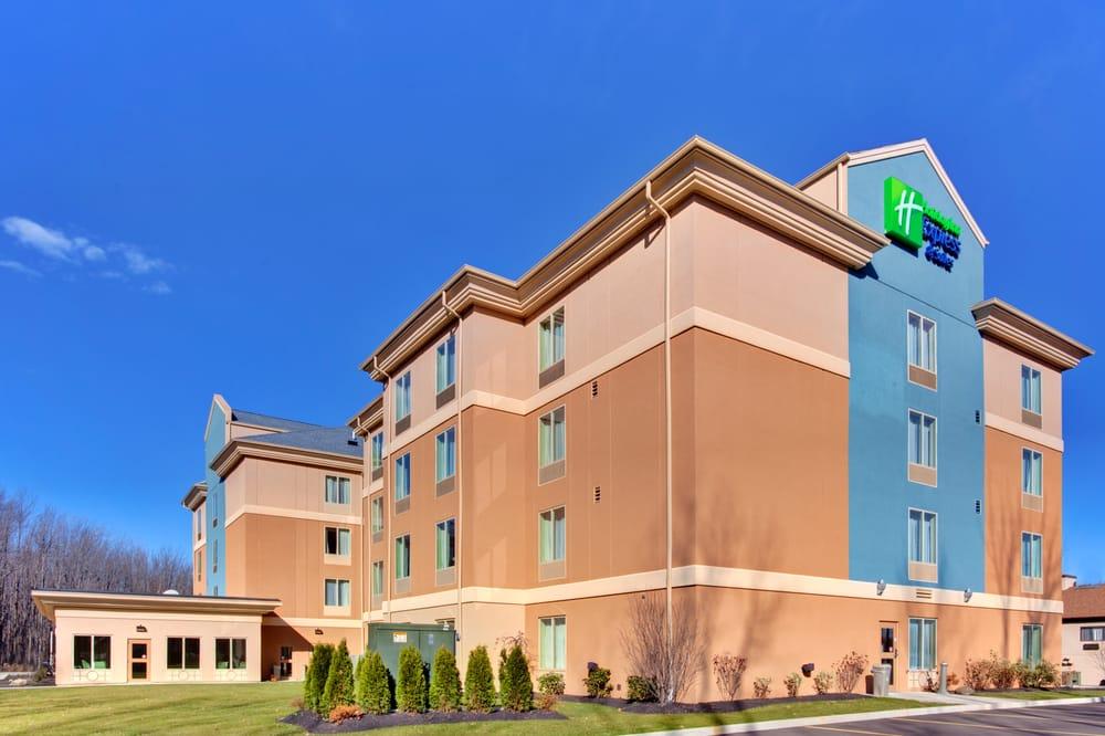 Holiday Inn Express & Suites Hamburg: 3565 Commerce Pl, Hamburg, NY