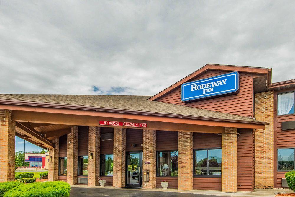 Rodeway Inn: 2820 Hotel Ave, Huntington, IN