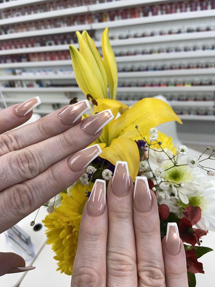 Elite Nails & Spa: 10305 Lakewood Blvd, Downey, CA