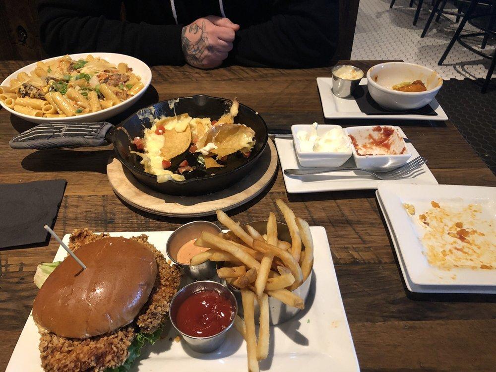 Tavern in the Square: 115 Hillside Rd, Cranston, RI