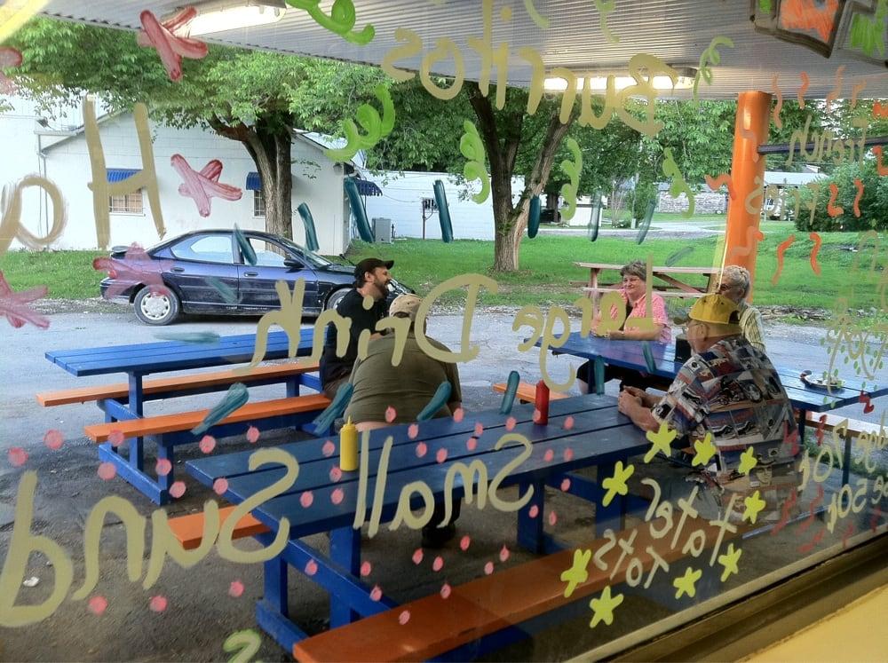 Cookees Drive-In: 102 E 12th St, Pleasanton, KS