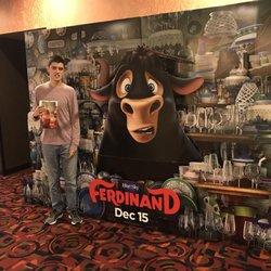 Cinemark 19 And Xd 40 Photos 104 Reviews Cinema 1030 W Grand