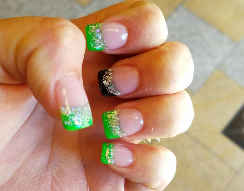 QueenBee Nails and Spa: 2144 Daniels St, Manteca, CA